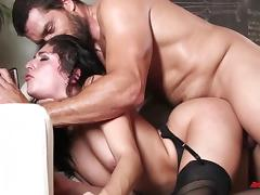 Nikki Knightly Knows Hot To Ride It