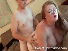 Chubby girlfriend and her horny boyfriend have hot sex