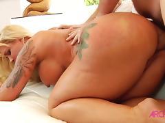 Bigtit MILF getting hard anal sex
