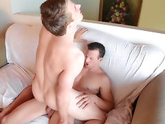 Seth Bond & Davey Jones in Davey Jones Tops Seth Bond Video