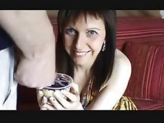 elle suce bien porn tube video