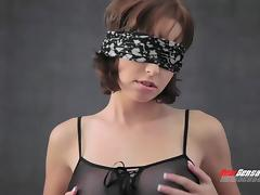 Blindfolded girlfriend in sexy lingerie licked and fucked by her man