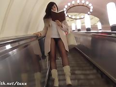 Pussy flash at subway by Jeny Smith