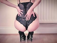 BABE IN BLACK LINGERIE LICKS CUM OFF THE FLOOR porn tube video