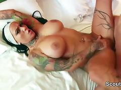 PornoStar Kitty-Core fickt User von der Strasse im Casting