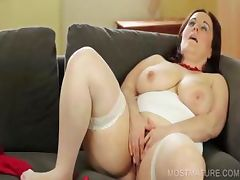 Nasty mommy dildo fucking cunt tube porn video