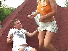 Teen couple fools around in the backyard and ends up fucking