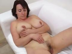 Amateur woman passed casting and then fucked on the table