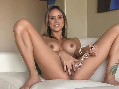 Enchanting Nadia uses the fingers do drill her own vaginal depths porn tube video
