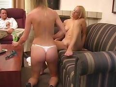 Blonde bimbos seduce a guy and show him a good time in a threesome