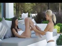 outdoor stunning sexy lesbians licking tube porn video