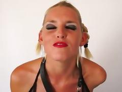 Amazing Deepthroating Blonde