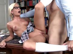 Candee LiciousLet me clean your glasses! Video tube porn video