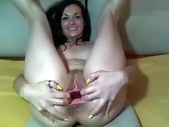 Brunette Carlabrown shows her vagina