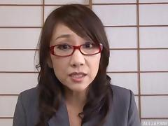 Kondou Ikumi mature Asian babe in glasses in masturbation action porn tube video