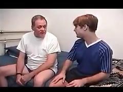 Junge schwul wird sehr hart von einem alter Mann gefickt tube porn video