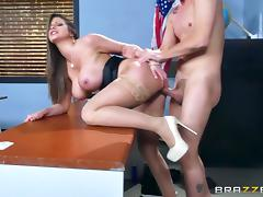 Brazzers - Sexy milf Brooklyn Chase teaches her student porn tube video