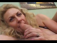 diva opens a little bit wider @ cock smoking grannies