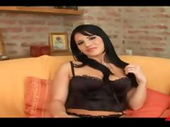 Dark haired woman gives an amazing blowjob to a lucky dude porn tube video