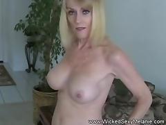 Amateur GILF Gives A Sex Lesson tube porn video