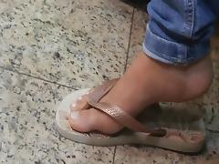 Candid Gorgeus Sexy Feet and toes in flip flops porn tube video