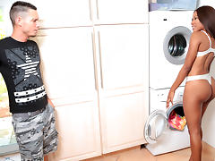 Tyler Steel & Indigo Vanity in Cleaning booty - RoundAndBrown porn tube video