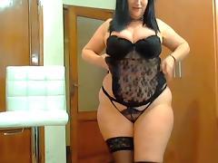 Curvy MILF porn tube video