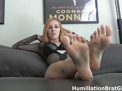 Worship Richelle Ryan's feet