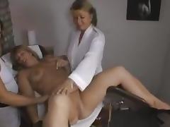 Geiles Fisten mit Squrting porn tube video