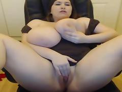 Gorgeous BBW Cums porn tube video