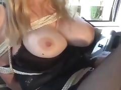 Woman in car porn tube video