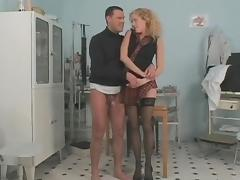 Long legged curly babe seducing doctor porn tube video