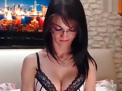 Brunette LovelyMary masturbates