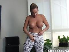 Richelle Ryan makes your dick hard!