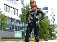 Sexy blonde lady black shiny latex catsuit tube porn video