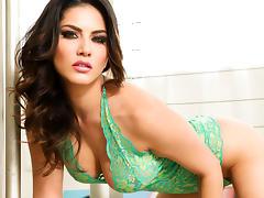 Sunny Leone in Lusty Dream In Green Lingerie Video