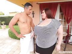 Big Tit BBW Lexxxi Luxe Fucks the Latino Gardner porn tube video