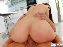 Allinternal Angelina Brill receives a messy creampie