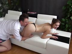 Gorgeous slut visits his house for an afternoon of hot sex