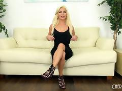 Solo session makes Cameron Dee feel like a true sex goddess porn tube video