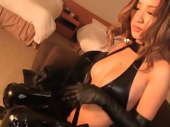Leather gloves look amazing on this dick stroking Asian girl