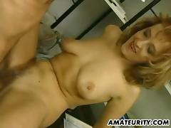 2 amateur Milfs homemade threesome with facial