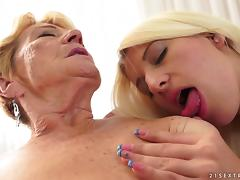 These grannies spend their retirement eating each other out porn tube video
