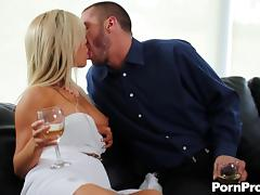 Splendid milf with a nice pair of big tits rides her man