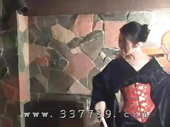 Japanese kimono mistress K hit slaves with a whip porn tube video