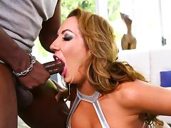 luscious richelle craves for a big dick