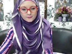 Super skinny college girl in hijab tube porn video
