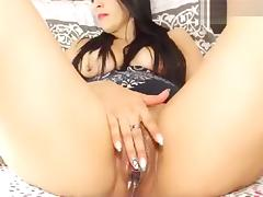 Alisonsquirtxx playing with a vibrator