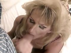 Blonde TV sucks and fucks