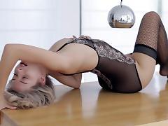 Skinny sweetie posing in lingerie porn tube video